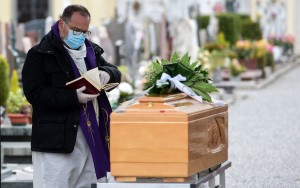 16-04-2020-Covid-19: các linh mục tu sĩ hy sinh, các nỗ lực bác ái khắp nơi